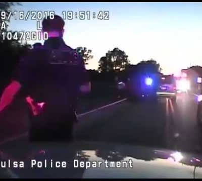 hqdefault 122 400x360 - FULL Video - Tulsa Police Shooting Terrence Crutcher Dashcam Video
